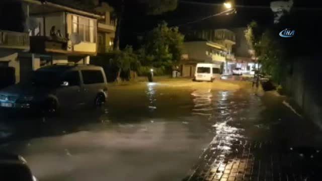 Kadirli'de Şiddetli Yağmur Su Taşkınlarına Neden Oldu