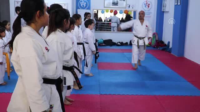 Karatenin Siyah Kuşaklı Ailesi