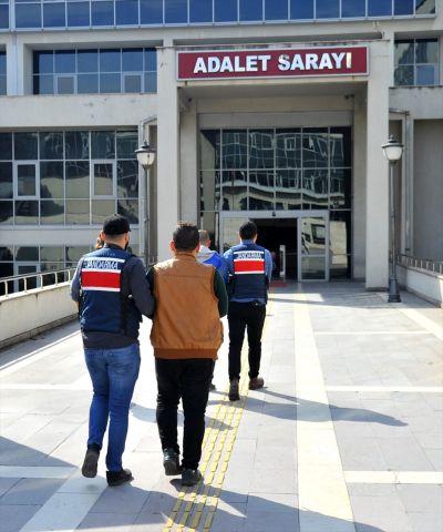 Osmaniye'deki DEAŞ operasyonda yakalan 3 zanlı serbest ...