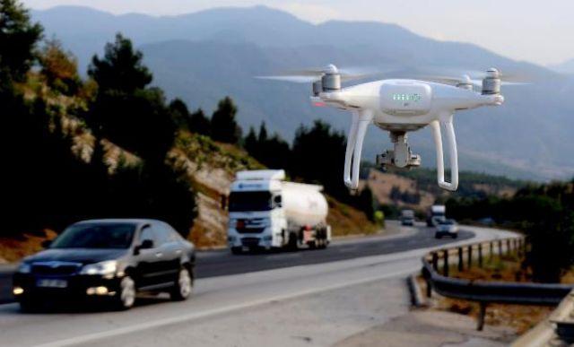 Şerit İhlali Yapan Sürücüler Drone ile Tespit Edildi